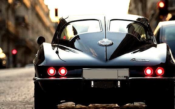 Chevrolet Corvette C2 StingRay