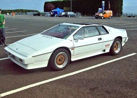 85 Lotus Esprit Turbo