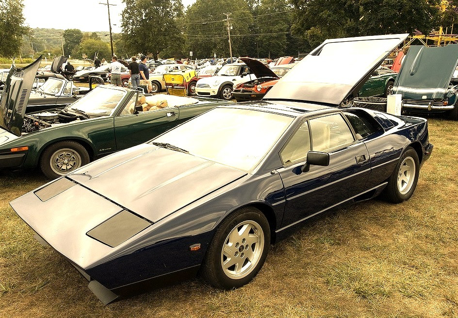 88 Lotus Esprit Turbo